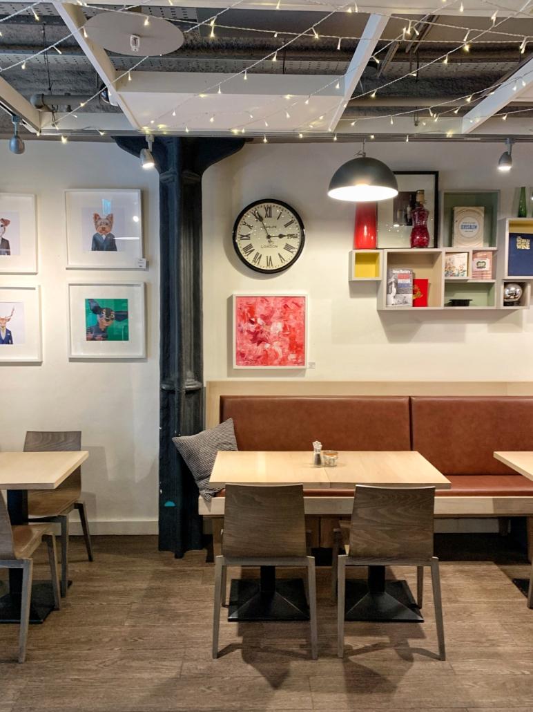 Café Piazza interior
